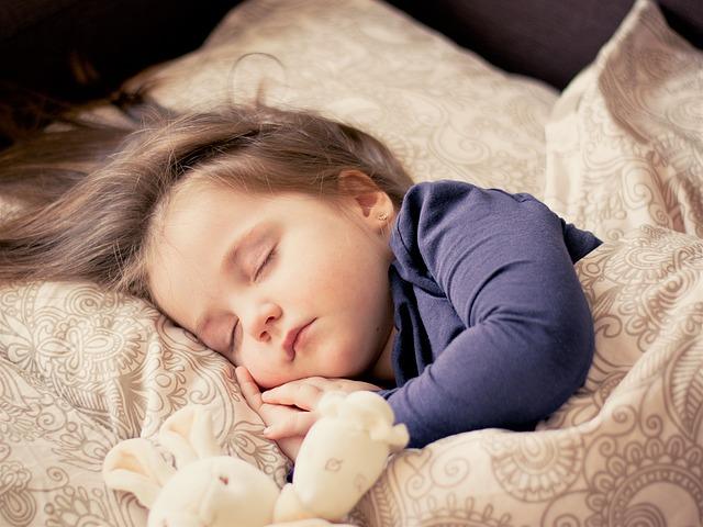 Ein gesunder Schlaf ist wichtig für Kinder - Quelle: Pixabay