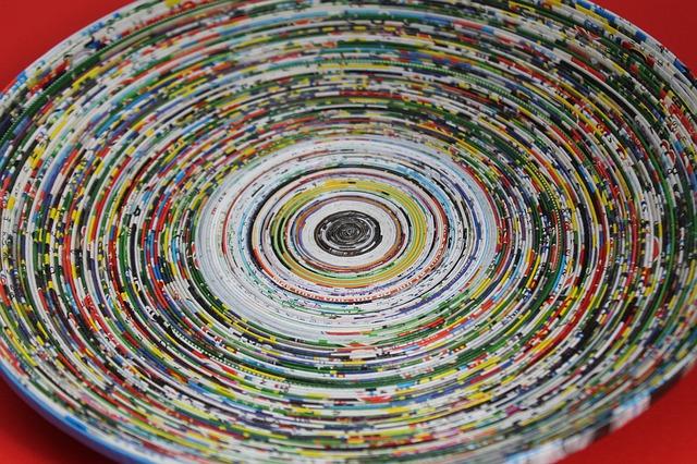 Recycling: Schale aus Papierstreife - Quelle: Pixabay
