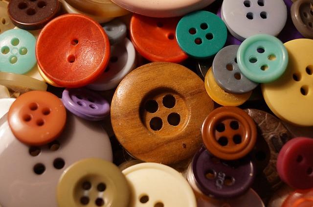 Knöpfe eigenen sich gut zum Spielen und Sortieren - Quelle: Pixabay